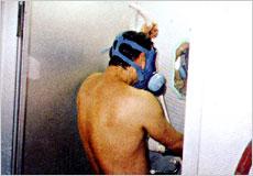 シャワー洗身風景画像
